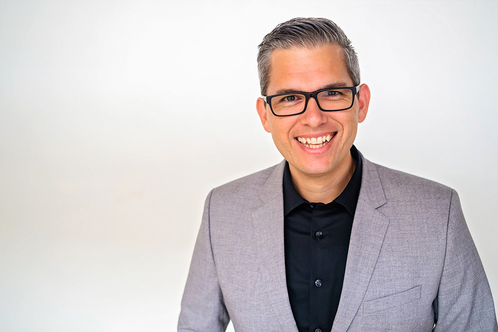 corey gonzalez (cg) business coach brand strategy
